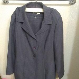 Dresses & Skirts - 2 piece Suit